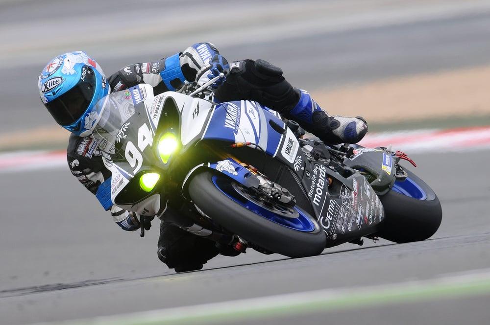 bike-racing-biker-moto-racing-39693